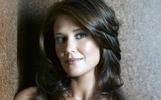 Taylor nackt Sarah lancaster pinkelt Parkinson Sklave Zwei