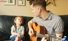Pai e filha cantam música tema de Toy Story e o resultado é incrivelmente fofo