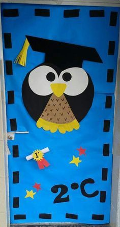 34 Moving up ceremony ideas - Aluno On Graduation Crafts, Pre K Graduation, Preschool Graduation, Graduation Decorations, School Decorations, Preschool Decor, Preschool Activities, Classroom Door, Classroom Organization