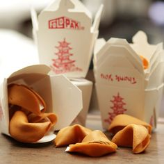Make Homemade Fortune Cookies For a Happier Chinese New Year! Chef Della shared a #recipe and a how-to video.