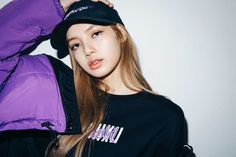 See new photos and videos of BLACKPINK Lisa for X-girl Japan x NONAGON collaboration collection, available on September 2018 Lisa Chan, Blackpink Lisa, Kim Jennie, South Korean Girls, Korean Girl Groups, Rapper, Maine, Lisa Blackpink Wallpaper, Kim Jisoo