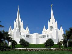 this is where we are going on our big day :) the LDS San Diego temple :)