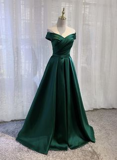 Junior Prom Dresses, Ball Dresses, Green Prom Dresses, Green Dress, Ball Gowns, Formal Dresses, Hijab Sport, Off Shoulder Evening Gown, Indian Fashion Dresses