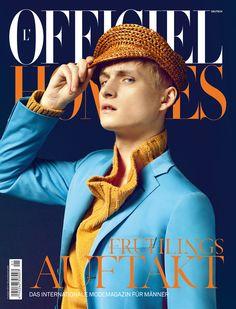 Capa lindona da L'Officiel Hommes da Alemanha. Muito boa a paleta de cores... Dá vontade de ver na banca de revista. Pena que no Brasil ainda não temos uma publicação de moda masculina como esta :(    Alguém quer lançar?? Eu animo.
