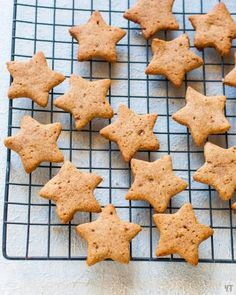 Ragi Cookies- Healthy Millet Cookies - Refined Flour and Sugar Free - These Millet Sugar Cookies are perfect for kids and adults.It is 100 % refined flour and refined sugar free. - You can use coconut sugar or jaggery for these cookies. Healthy Cookie Recipes, Healthy Cookies, Healthy Desserts, Cupcake Recipes, Choco Chip Cookies, Choco Chips, Sugar Cookies, Healthy Breakfast Snacks, Millet Recipes
