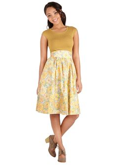 Flair for the Fantastic Skirt in Pasture. Looking for a skirt that adds panache to your day? #yellow #modcloth