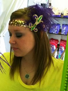 Fleurty Girl Mardi Gras Fleur de Lis Flapper Headband- gotta make one for the parades this year! New Orleans Bachelorette, Flapper Party, Flapper Headband, Mardi Gras Party, Decorated Shoes, All Things Purple, How To Make Bows, Dress Me Up, Beauty And The Beast