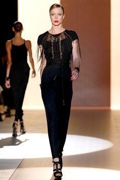 Gucci Spring 2011 Ready-to-Wear Fashion Show - Raquel Zimmermann
