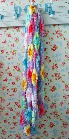 gehaakt sjaal met zon! Crochet shawl with sun!