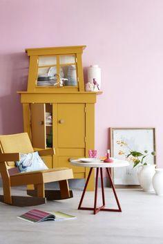Een warme kleur zoals Okergoud is prachtig te combineren met pastelkleuren, bijvoorbeeld de combinatie met pastel roze is super mooi!
