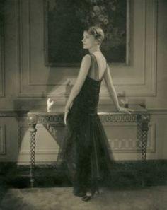 Lee Miller, 1928.