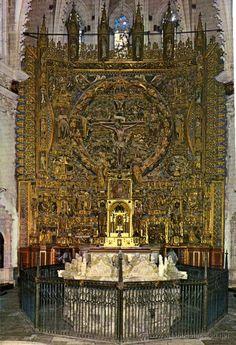 Cartuja de Miraflores (Burgos, siglo XV). Retablo del altar mayor, realizado por el escultor Gil de Siloé, junto con el pintor Diego de la Cruz.