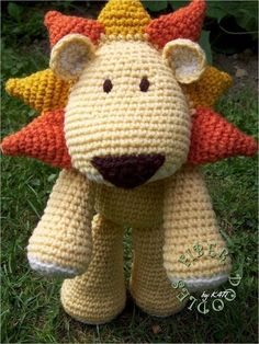 Amigurumi lion, i love this guys face, gonna have to come up with something similar for my goosey girl