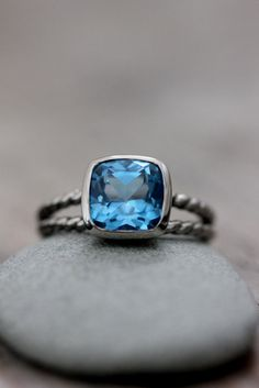 Split shanks are my favorite and I love this ring...but I'd rather have a smooth band.