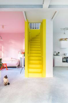 ❤Explore The Best 43 Painted Stairs Ideas for Your Home Redecorate Modern Bedroom Design, Decor Interior Design, Interior Decorating, Modern Design, Yellow Interior, Painted Stairs, Scandinavian Interior, Home Renovation, Interior Design Living Room