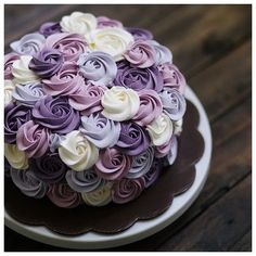 Beautiful rossette cake in purple | Project by Ivenoven www.bridestory.co...