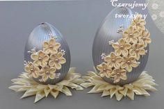 Quilted Ornaments, Fabric Ornaments, Holiday Ornaments, Egg Crafts, Easter Crafts, Coconut Decoration, Handmade Envelopes, 3d Quilling, Easter Projects