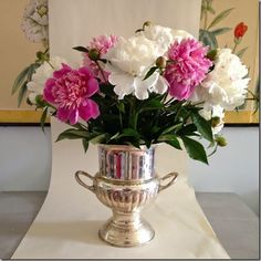 peonies in an old champagne bucket Champagne Cooler, Champagne Buckets, Bucket Centerpiece, Table Centerpieces, All Flowers, Beautiful Flowers, Wedding Flowers, Vintage Champagne, Flower Farm