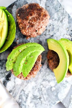 13. Garlic Bacon Avocado Burgers #whole30 #recipes http://greatist.com/eat/whole30-recipes-for-lunch