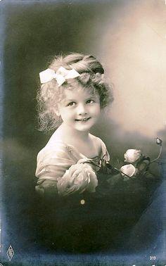 Vintage Postcard// Encontrado en flickr.com Flickr Vintage Postcard ~ Sweet Face por chicks57 en Flickr