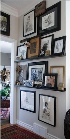 Variations Creative Frame Wall Decoration for Your Home. Amazing and Creative Frame Wall Decoration for Your Home. Bored with a plain wall look? Do not rush to replace the paint or coat it with wallpaper. Wall Decor, Decor, Wall Gallery, Home Look, Interior Design, House Interior, Small Living Room, Interior, Home Decor