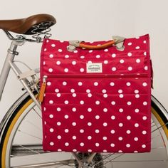 New Looxs Lilly Shopper Pannier - Red with white polka dots. The perfect spring pannier for your bike.