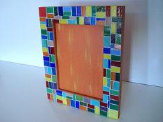 Base MDF, trabalho em mosaico com pastilhas de vidro. (para fotos 13x18) R$35,00