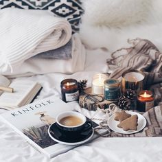 #Regram via @alabasterfox // flatlay, flatlay ideas, flatlay inspo, pretty pictures, pretty things, blogger