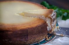 This is the Ultimate cheesecake recipe! This is the best cheesecake recipe, full of flavor and it doesn't crack no matter how hard you try. It is a traditional NY cheesecake recipe that has been adapted to my Greek standards. Keto Cheesecake, Coffee Cheesecake, Chocolate Cheesecake, Homemade Cheesecake, Classic Cheesecake, German Cheesecake, American Cheesecake, Easter Cheesecake, Cheesecake Recipes
