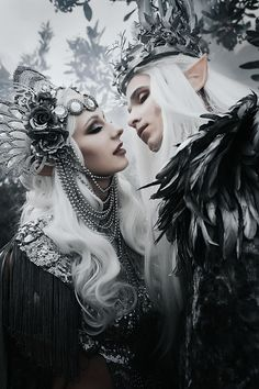 I'm Rachel Sigmon, a wearable art designer, and SFX makeup artist. I have been creating wearable arts and headpieces for the last 6 years. And doing makeup for Foto Fantasy, Dark Fantasy, Fantasy Art, Fantasy Inspiration, Mode Inspiration, Character Inspiration, Halloween Bonito, Halloween Kostüm, Illustration Fantasy
