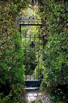 Best Secret Gardens Ideas 28