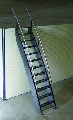 Escaliers économiques. . Découvrez ici un de nos modèles SPIRA : KLARA : échelle-petit escalier design pour espace réduit