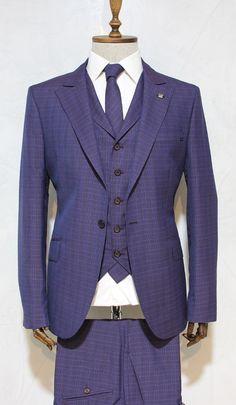 http://urun.n11.com/takim-elbise/victor-baron-yeni-sezon-ekoseli-slim-fit-yelekli-takim-elbise-P99925290