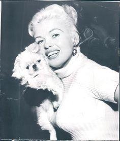 Jayne Mansfield with her DARLING dog Powder Puff, Marishka Hargitay's mother.  Vintage.