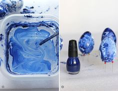diy-marbled-indigo-easter-eggs-steps~faux eggs, plastic container full of room temp water, add 1 or 2 drops of nail polish, swirl w/ struck. Gloved hands to push egg under water. Emoji Easter Eggs, Easter Egg Dye, Easter Egg Crafts, Easter Projects, Bunny Crafts, Easter Decor, Easter Ideas, Diy Tableau, Diy Nagellack