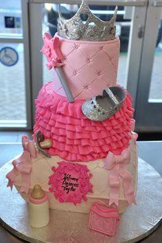 Fancy Little Princess Cake  www.thecakemamas.com