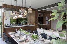 Projeto Fernanda Marques Arquiteta l @fernandamarquesarquiteta  #arte #apartamento #sala #integração #sacada #varanda #espelho #reforma #reformar #reformando #ap #apto #meuap #cozinha #sofa #mesa #look #lookdodia #amo #amei #arquitetura #amor #amando #apaixonada #apaixonado #morar #casar #casando