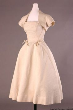 "Christian Dior Cocktail Dress, ""Sonnet,"" Worn by Elizabeth Parke Firestone, 1952 Vintage Fashion 1950s, Vintage Dior, Vintage Couture, Mode Vintage, Retro Fashion, Women's Fashion, Classic Fashion, 1950s Outfits, Retro Outfits"
