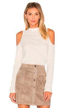 Novedades Revolve Clothing http://stylelovely.com/revolveclothing/2016/10/25/ultimas-novedades-en-revolve-clothing/