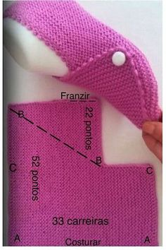 Knit Mesh Square Slippers Free Knitting Pattern - Video - Her Crochet Knitted Booties, Crochet Boots, Knitted Slippers, Baby Booties, Baby Knitting Patterns, Knitting Designs, Knitting Socks, Free Knitting, Diy Crafts Knitting