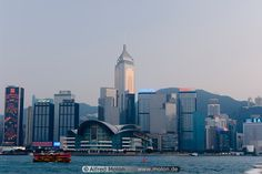 Google Image Result for http://www.molon.de/galleries/China/HongKong/BDistrict/images01/14%2520Hong%2520Kong%2520skyline.jpg