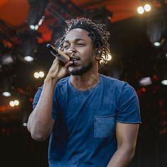 Listen to every Kendrick Lamar track @ Iomoio Rapper Kendrick Lamar, Kendrick Lamar Music Video, King Kendrick, Kung Fu Kenny, To Pimp A Butterfly, Hip Hop Radio, Estilo Swag, Jim Morrison Movie, Rap God