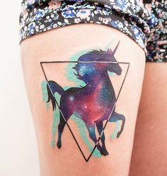 Diseños de tatuajes inspirados en un viaje de LSD