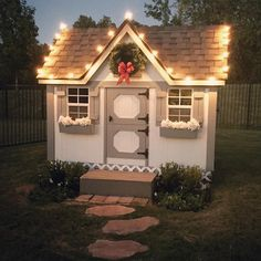 Play cottage for the girls in the backyard Playhouse Decor, Backyard Playhouse, Build A Playhouse, Backyard Playground, Backyard For Kids, Backyard Projects, Cubby Houses, Play Houses, Wendy House