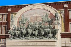 The Chisum Trail Mural in Sundance Square in downtown Fort Worth, Texas, USA. Cattle Drive, Lone Star State, Fort Worth Texas, Texas History, Texas Homes, Texas Travel, Old West, Dallas, Trail