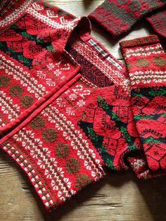 made 1922 in Sweden Knitting Stitches, Knitting Patterns, Pattern Fashion, Twine, Sweden, Stitch Patterns, Scandinavian, Folklore, Knit Crochet