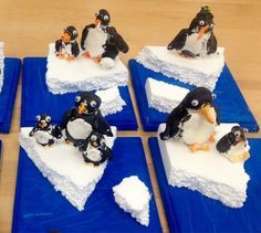 model magic penguins-styrofoam ice on wood-grades Art with Mr. Third Grade Art, 2nd Grade Art, Kindergarten Art, Preschool Art, January Art, Polo Norte, Penguin Craft, Winter Art Projects, Sculpture Projects