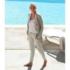 Barefoot Dreams CozyChic Lite Jogger Pant Our popular Cozychic Lite knit takes on the trend of the jogger. Featuring cozy pockets, soft ribbed tapered leg, elastic waist with a soft drawstring tie. Wear them low on your hips for a more relaxed look. Barefoot Dreams, Knitted Baby Blankets, Pajama Party, Jogger Pants, Travel Style, Baby Knitting, Lounge Wear, Elastic Waist, Khaki Pants