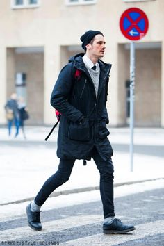 If you love relaxed casual style, why not wear this pairing of a navy parka and navy skinny jeans? Take this outfit down a dressier path by slipping into a pair of black leather oxford shoes. Look Cool, Cool Style, My Style, Men Street, Street Wear, Fashion Week, Winter Fashion, Style Fashion, Fashion Shoes