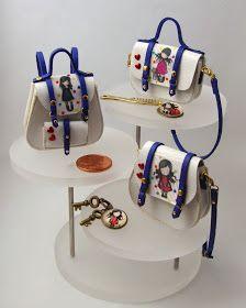 Barbie Miniatures, Dollhouse Miniatures, Mini Purse, Mini Bag, Fabric Doll Pattern, Diy Clutch, American Girl Crafts, Barbie Accessories, Mini Handbags